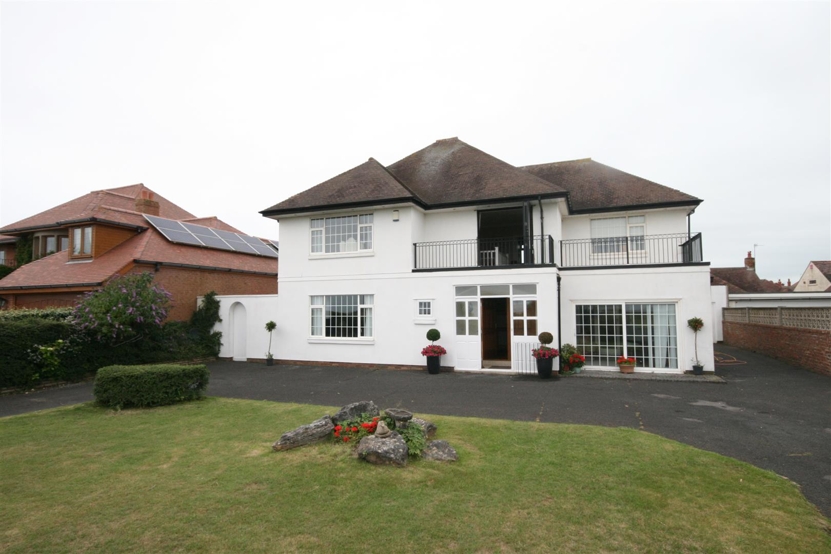 4 Bedrooms Detached House for sale in Inner Promenade, Lytham St. Annes